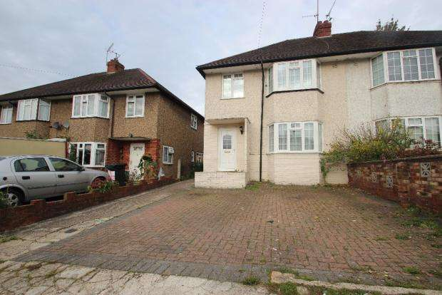 3 Bedrooms Semi Detached House for sale in Melbourne Road, High Wycombe HP13