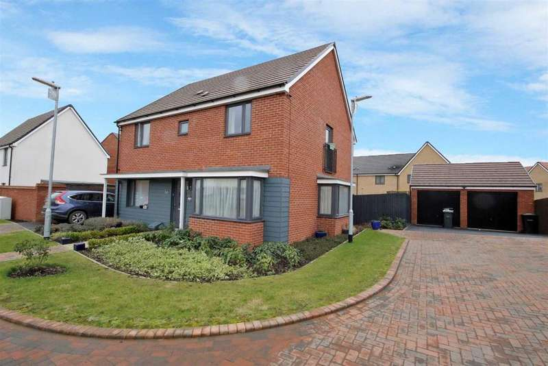 4 Bedrooms Detached House for sale in Ashpole Avenue, Wootton