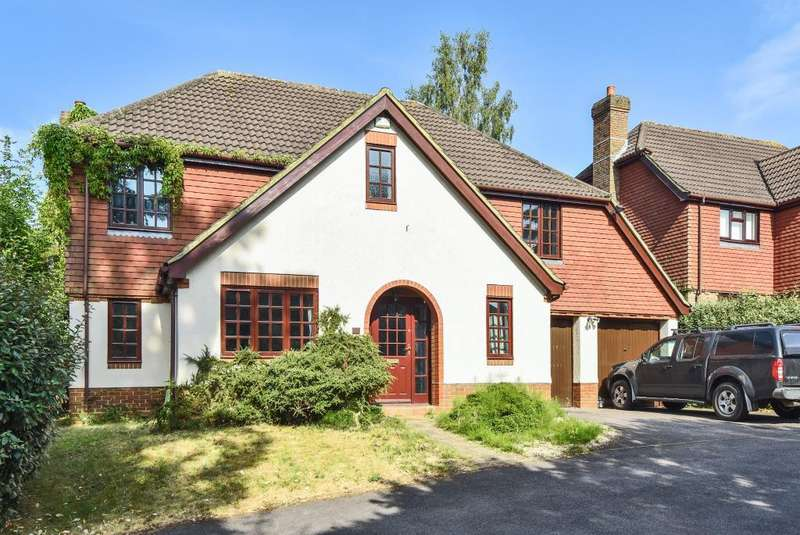 5 Bedrooms Detached House for sale in Bracknell, Berkshire, RG12