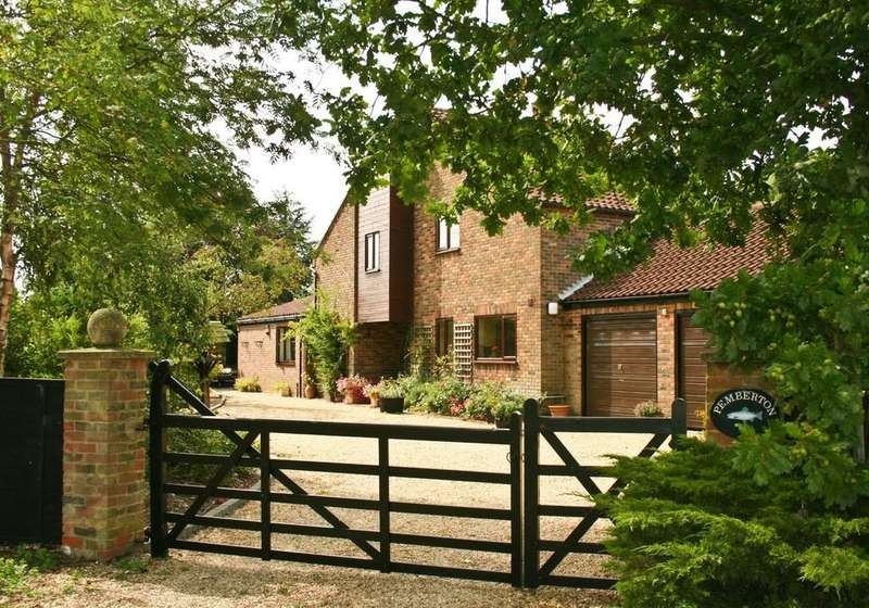 4 Bedrooms Detached House for sale in Swaffham Road, Wendling