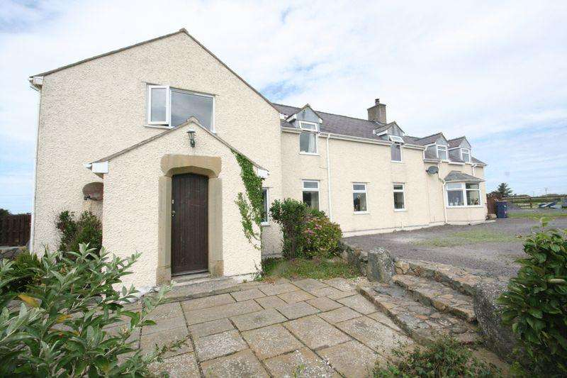 5 Bedrooms Detached House for sale in Llanfaelog, Ty Croes