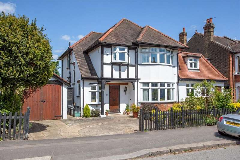 5 Bedrooms Detached House for sale in Chelmsford Road, London, E18