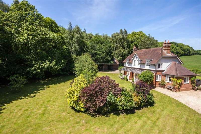 5 Bedrooms Detached House for sale in Kings Drive, Henley, Midhurst, West Sussex, GU29