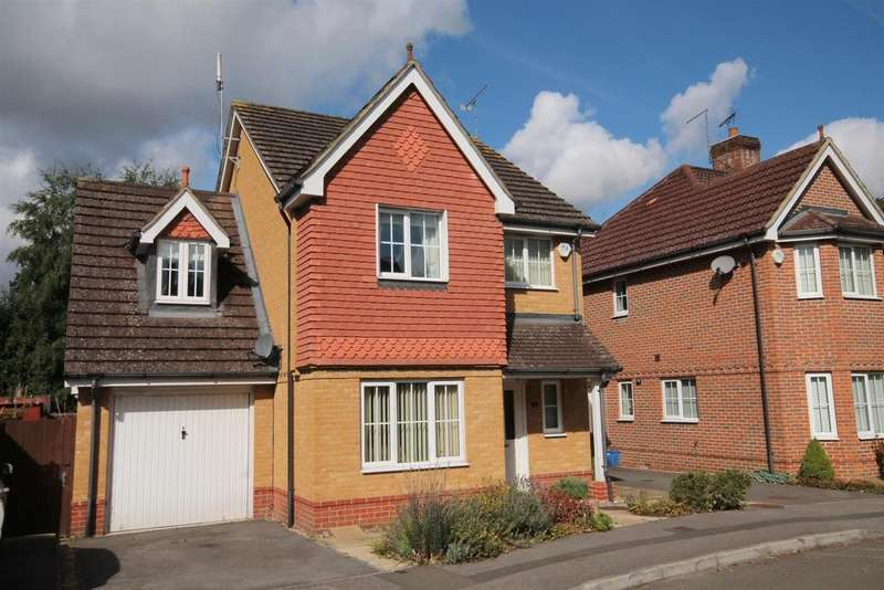 3 Bedrooms Detached House for sale in Victoria Gardens, Farnborough