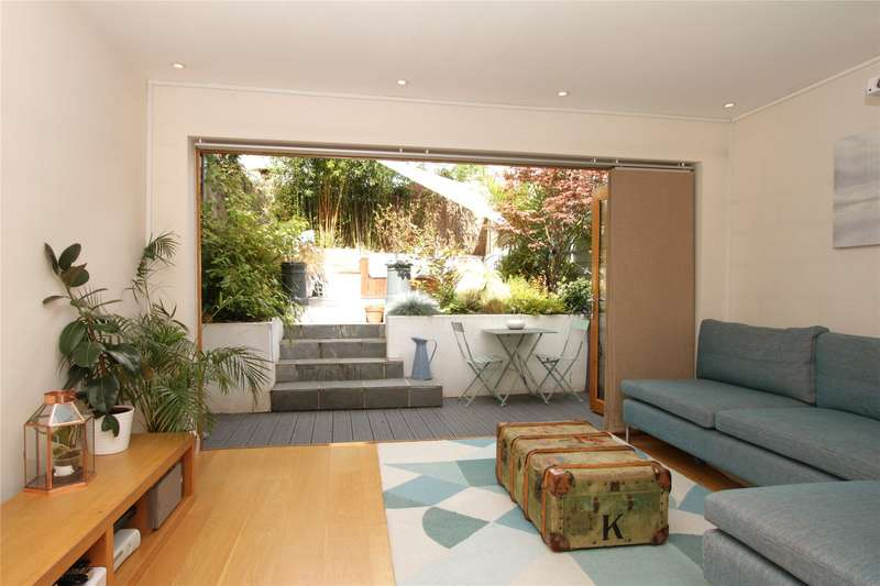 2 Bedrooms Flat for sale in Berrymede Road, Chiswick, London, W4
