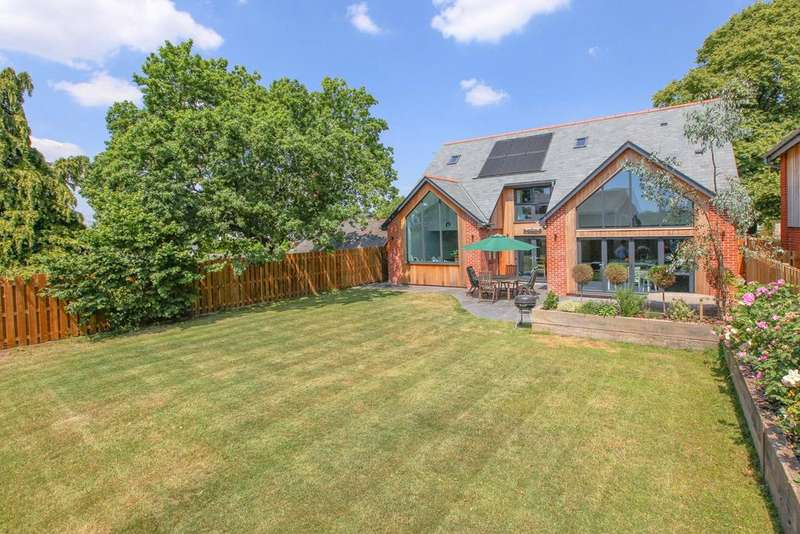 4 Bedrooms Detached House for sale in Woodbury, Devon