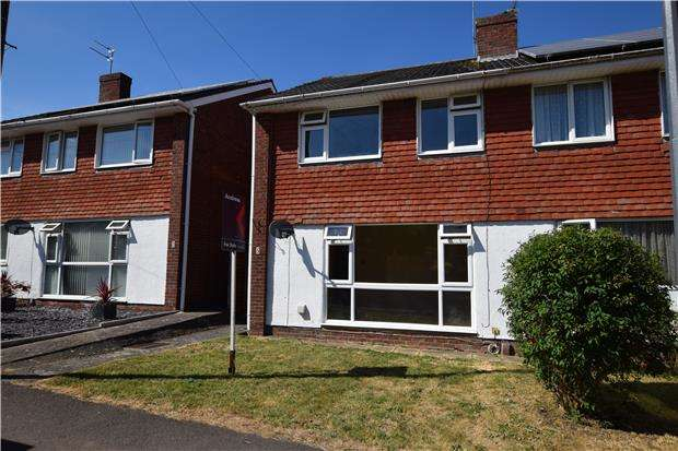 3 Bedrooms Semi Detached House for sale in Holly Walk, Keynsham, BRISTOL, BS31 2TU