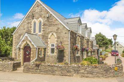 5 Bedrooms Detached House for sale in Lostwithiel, Cornwall, Uk