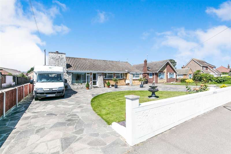 4 Bedrooms Detached Bungalow for sale in Jaywick Lane, Clacton-On-Sea