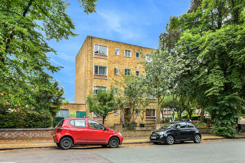 1 Bedroom Flat for sale in Aberdeen Park, N5 2AP