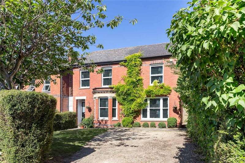 5 Bedrooms Detached House for sale in Hall Road, Cheltenham, Gloucestershire, GL53
