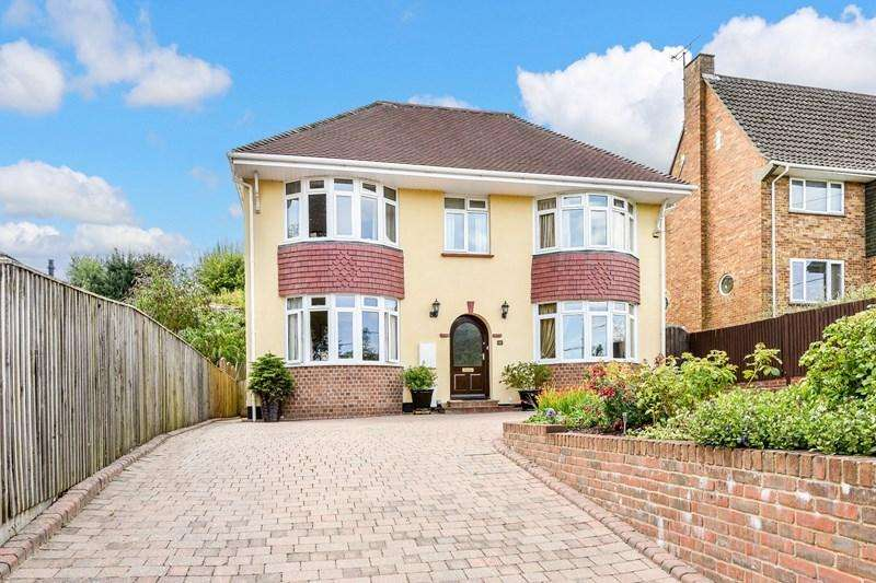 5 Bedrooms Detached House for sale in Rooksbury Road, Andover