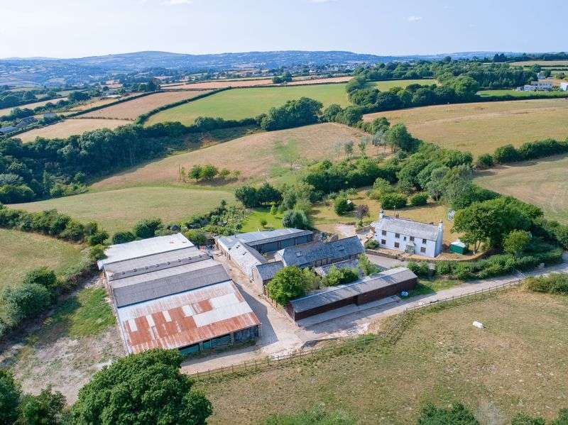 4 Bedrooms Property for sale in Bere Alston, Devon