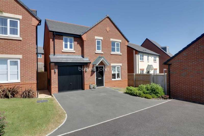 4 Bedrooms Detached House for sale in Peach Way, Winsford