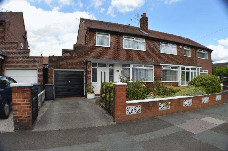 3 Bedrooms Semi Detached House for sale in Windsor Road, Manchester