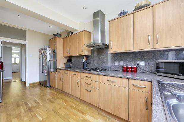 4 Bedrooms Semi Detached House for sale in Cliffview Road Ladywell, Ladywell, SE13