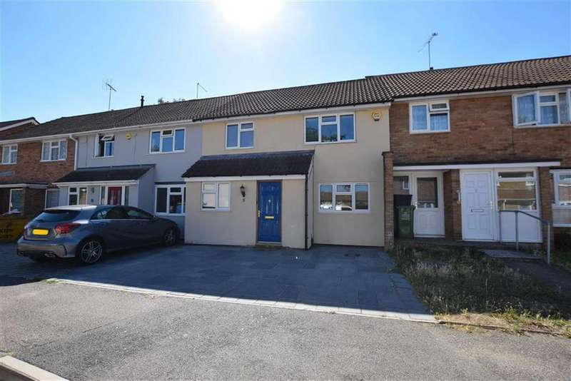 4 Bedrooms Terraced House for sale in Cattawade End, Basildon, Essex