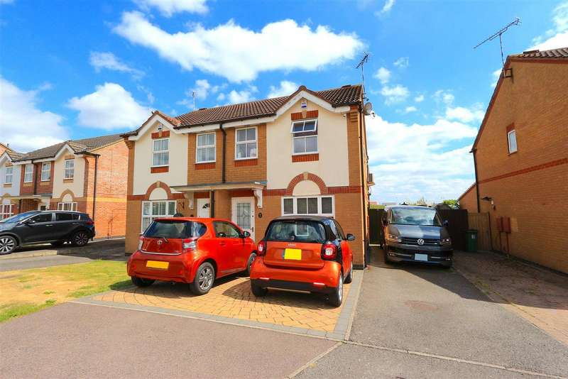 3 Bedrooms Detached House for sale in Tristram Close, Leicester Forest East