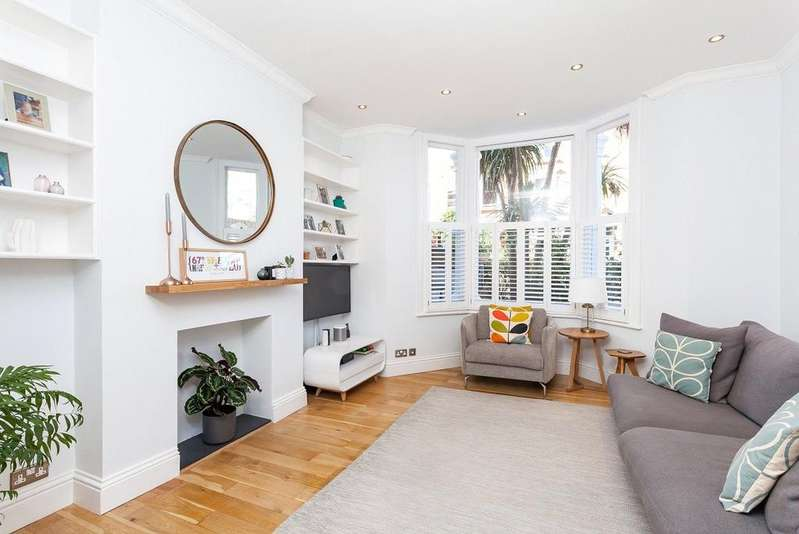 3 Bedrooms Flat for sale in Raveley Street, Kentish Town, London, NW5