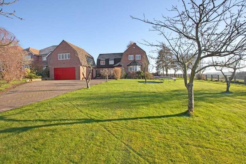 4 Bedrooms Detached House for sale in Andover Road, Newbury, Berkshire, RG20