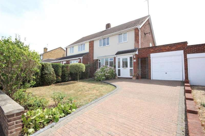 3 Bedrooms Semi Detached House for sale in Rowallan Drive, Bedford