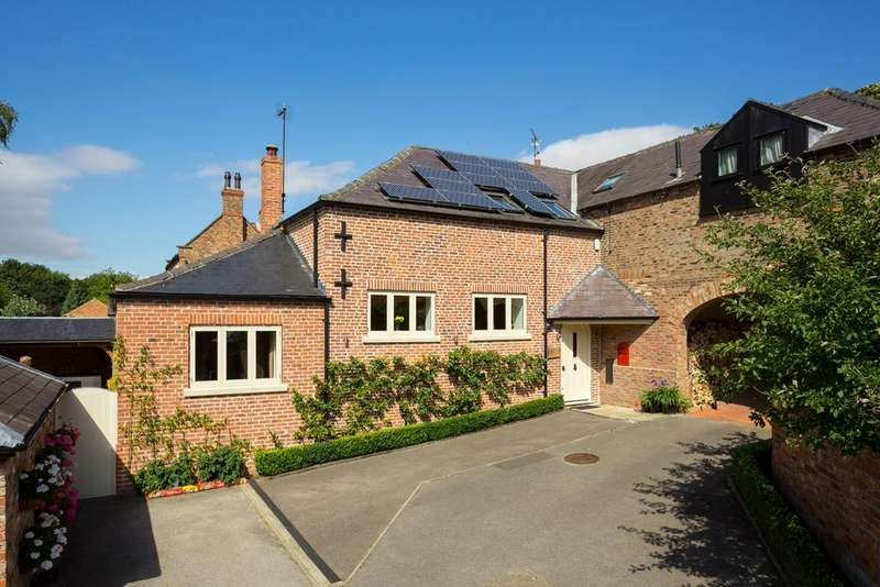 3 Bedrooms House for sale in Sand Hutton Court , Sand Hutton, York, YO41