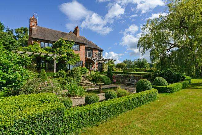 4 Bedrooms Country House Character Property for sale in Altham Lodge, Main Street, Papplewick, Nottinghamshire NG15 8FE