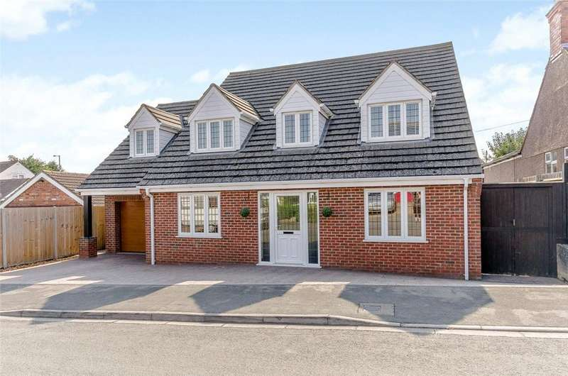 5 Bedrooms Detached House for sale in Fern Road, Rushden, Northamptonshire, NN10