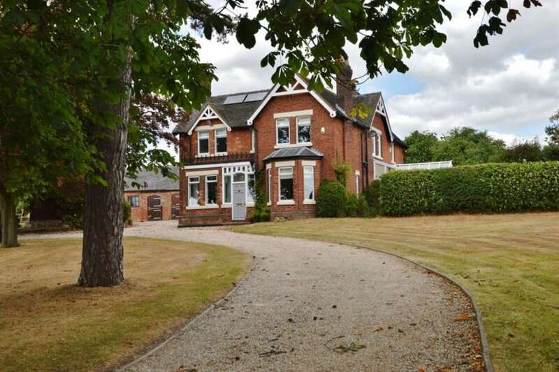 4 Bedrooms Detached House for sale in Bromley Lodge, Abbots Bromley