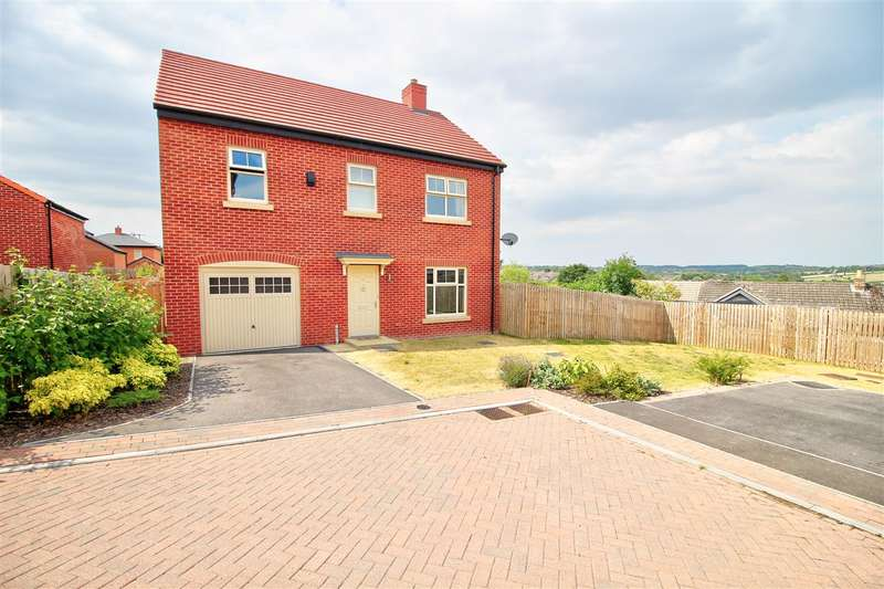 4 Bedrooms Detached House for sale in Zouche Close, Heanor