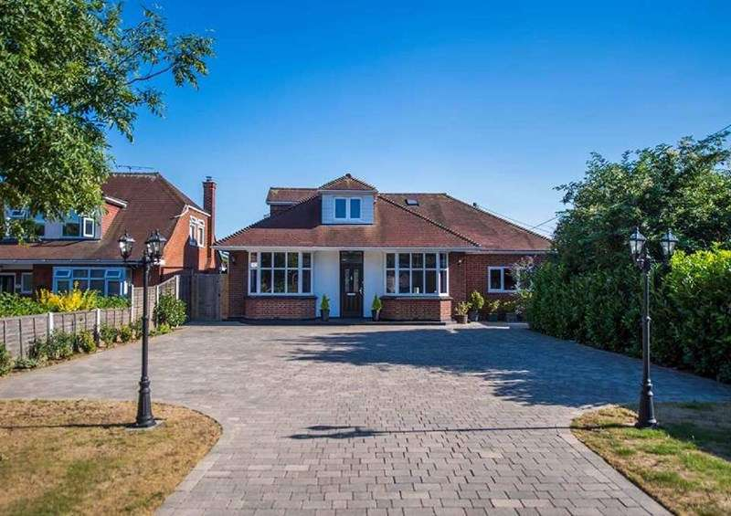 5 Bedrooms Chalet House for sale in Rayleigh Road, Eastwood
