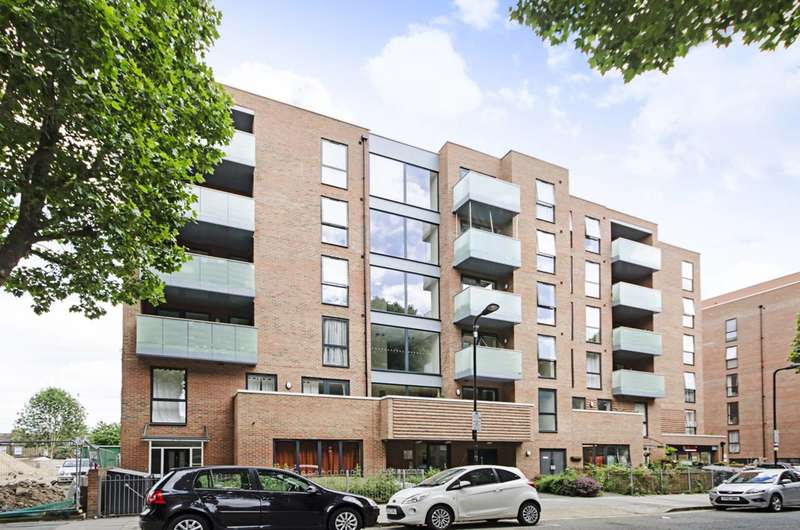 3 Bedrooms Flat for sale in Bathurst Square, Tottenham, N15