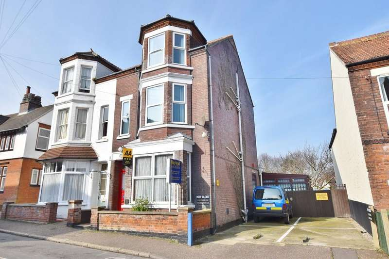 8 Bedrooms Semi Detached House for sale in St. Peters Road, Sheringham