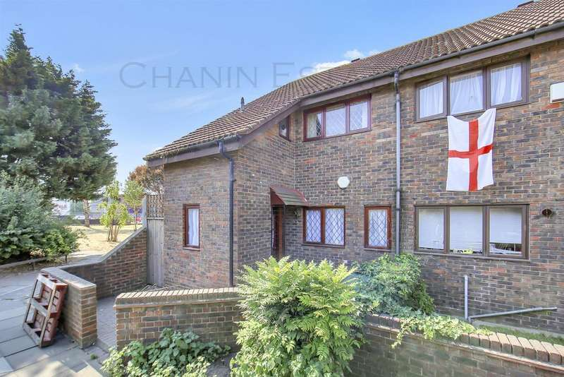 3 Bedrooms End Of Terrace House for sale in Winifred Street, Canning Town, London, E16