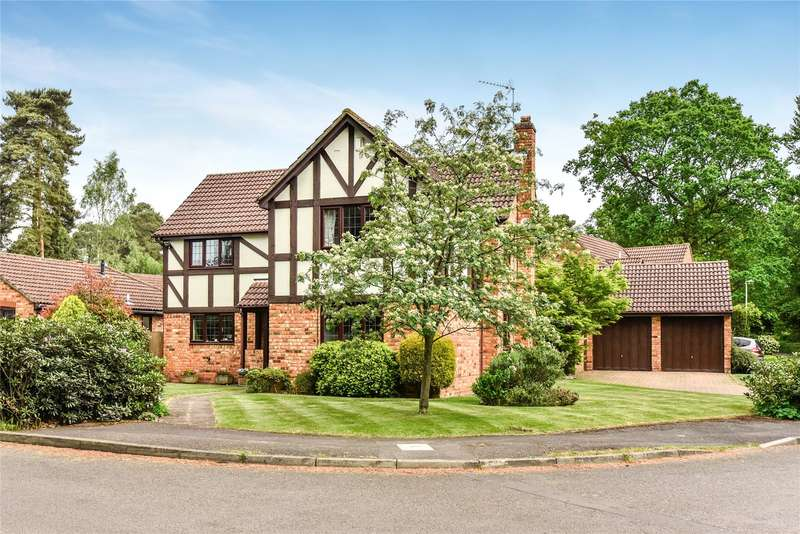 5 Bedrooms Detached House for sale in Holmbury Avenue, Crowthorne, Berkshire, RG45