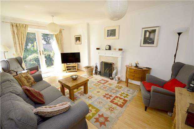 4 Bedrooms Detached House for sale in The Hawthorns, Bussage, Gloucestershire, GL6 8JU