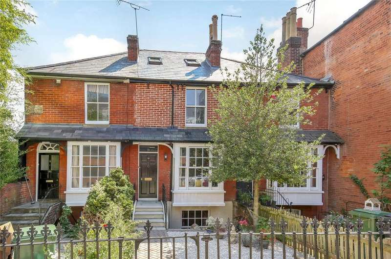 3 Bedrooms Town House for sale in Tower Street, Winchester, Hampshire, SO23