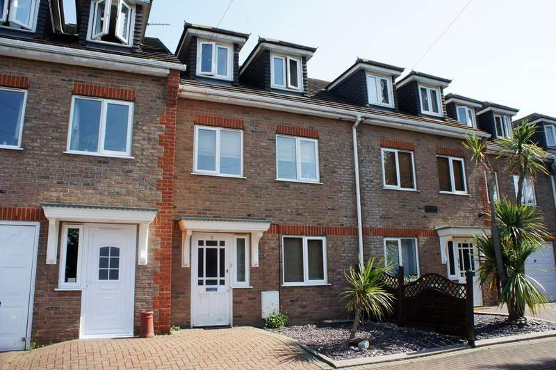 4 Bedrooms Town House for sale in Oakwood Villas, 522-524 Rayleigh Road, Eastwood, Essex SS9
