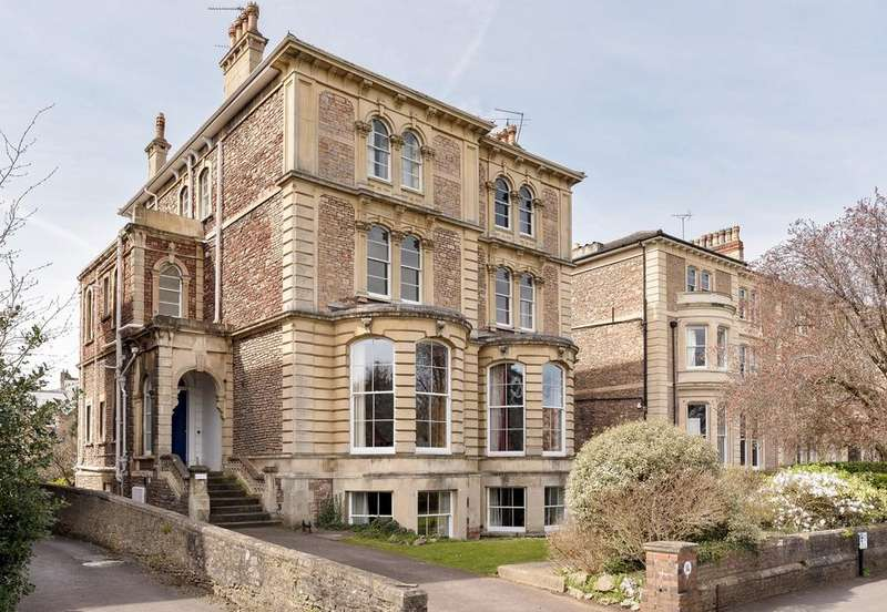 3 Bedrooms Flat for sale in College Road, Clifton, Bristol , BS8