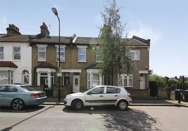 3 Bedrooms Terraced House for sale in Hecham Close, Walthamstow, London