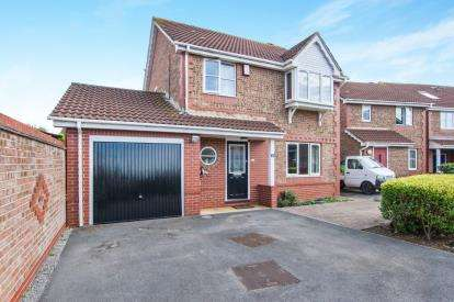 3 Bedrooms Detached House for sale in Wheatfield Drive, Bradley Stoke, Bristol, Gloucestershire
