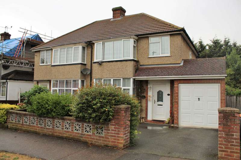 3 Bedrooms Semi Detached House for sale in Wendover Drive, Bedford, MK41 9SR