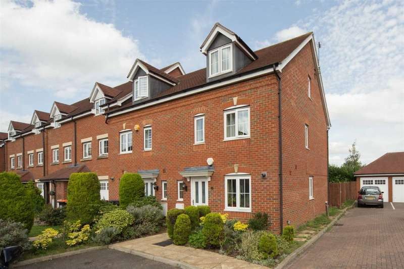 4 Bedrooms Town House for sale in Watling Gardens, Dunstable