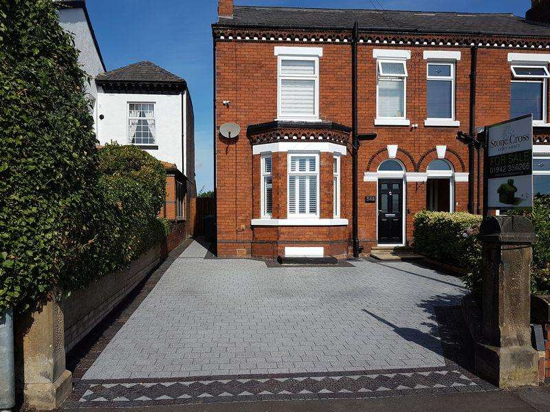2 Bedrooms Semi Detached House for sale in Newton Road, Lowton, WA3 1PQ