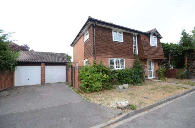 4 Bedrooms Detached House for sale in Loosen Drive, Maidenhead, Berkshire