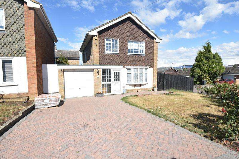 3 Bedrooms Detached House for sale in Beaconsfield, Luton