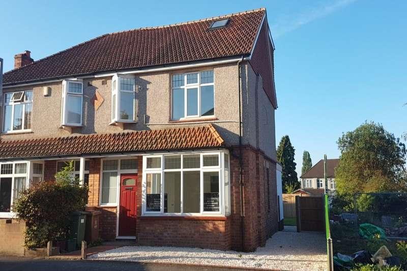 4 Bedrooms Semi Detached House for sale in Warren Road, Bexleyheath, DA6
