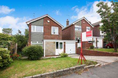 3 Bedrooms Detached House for sale in Yew Tree Lane, Dukinfield, Greater Manchester, United Kingdom