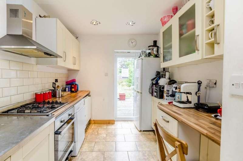 3 Bedrooms House for sale in Ealing Road, Brentford, TW8