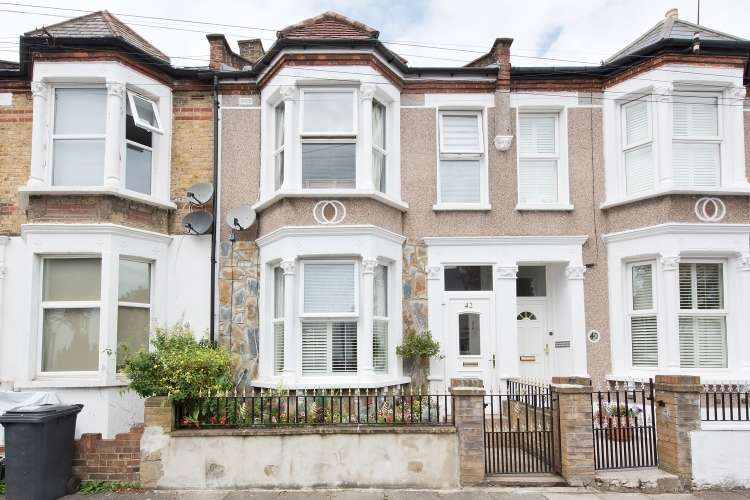 4 Bedrooms Terraced House for sale in Revelon Road London SE4